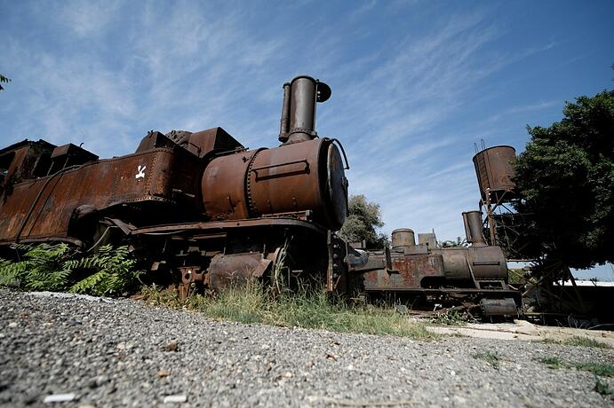 rusted-train-beirut-lebanon.jpg